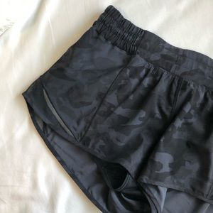 🪴🌾2 for $125🌾🪴 Lululemon black camo hotty hot